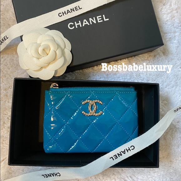 CHANEL Handbags - Auth Chanel leather keychain coin cardholder pouch